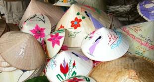 thuyet minh ve chiec non la viet nam 2 310x165 - Top 10 bài văn mẫu Thuyết minh về chiếc nón lá Việt Nam lớp 9 chọn lọc