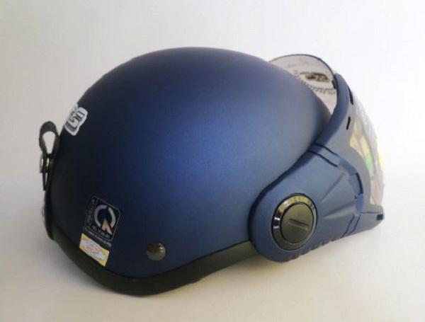 thuyet minh ve mu bao hiem non bao hiem lop 9 2 - Top 8 bài văn mẫu Thuyết minh về mũ bảo hiểm (nón bảo hiểm) lớp 9 chọn lọc