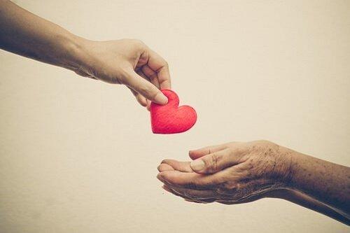 nghi luan xa hoi ve long nhan ai yeu thuong con nguoi 2 - Top 10 bài văn mẫu Nghị luận xã hội về lòng nhân ái yêu thương con người lớp 9 chọn lọc